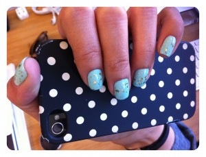 Nami's gorgeous glitter-speckled robin's egg nails